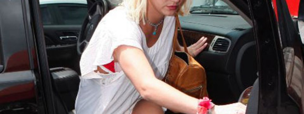 Britney Spears senza slip, parte lo shopping a luci rosse