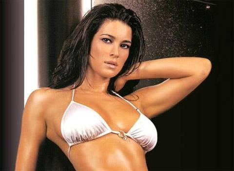 Manuela Arcuri è tornata single?