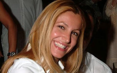 Adriana Volpe vs Michelle Hunziker, un po' ruba-mariti!