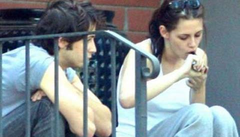 Kristen Stewart amica dei vampiri?!!! No no…amica di Cannabis!!!