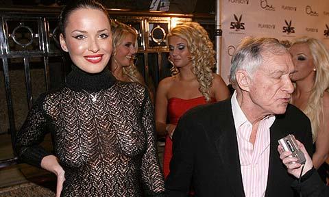 Dasha Astafieva, la nuova girl di Hugh Hefner, si spoglia davanti ai flash!