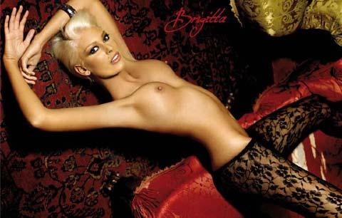 Brigitta Bulgari posa per il Calendario Pepenero 2009