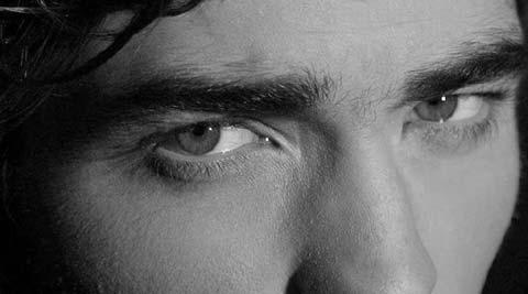 """Robert Pattinson da """"travestito forzato"""" a vampiro!!!"""