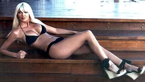 Jelena Karleusa si mette a nudo per i suoi fan!!!