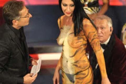 Laura Perego, la streaker di Sanremo 2009!!!
