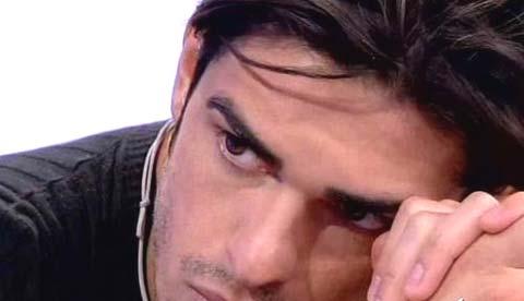 """Cristian Galella Vs Maria De Filippi, """"E' un truffatore discotecaro!!!"""""""