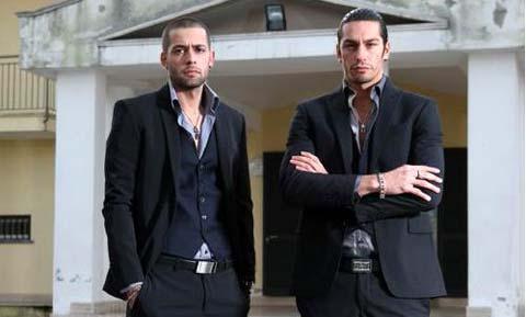 Sasà e Cristiano Angelucci si danno al calendario contro la camorra!