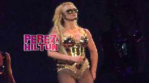 Oops, Britney Spears rimane senza slip, ecco il video tormentone!!!