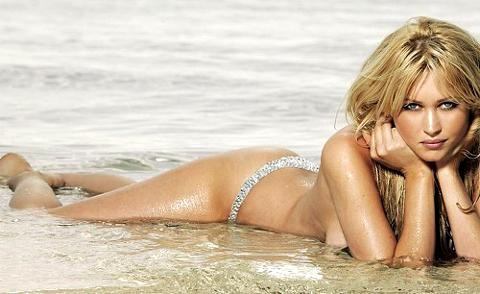 Landi Swanepoel, è lei la modella madrina dei Mondiali di Calcio 2010