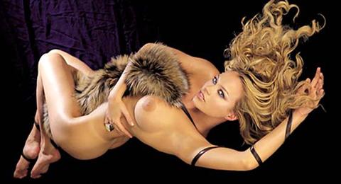 """Anna Falchi e le sue """"super tette"""", """"Mi sono rifatta il seno, ma me ne sono pentita!!!"""""""