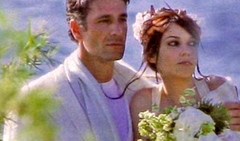 """Michela Quattrociocche e il suo """"appassionato"""" bacio a Raul Bova!!!"""