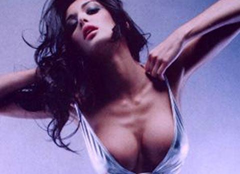 Claudia Buccino hot su Maxim, Claudio D'Alessio super geloso