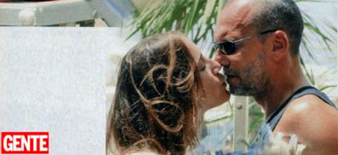 Biagio Antonacci, baci e coccole a Paola Cardinale. Altro che crisi!!!