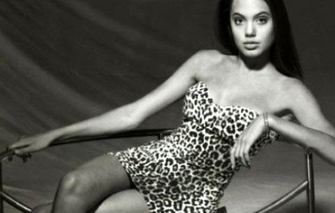 Angelina Jolie già sexy a 15 anni