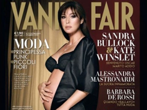 Monica Bellucci incinta ed è subito hot su Vanity Fair