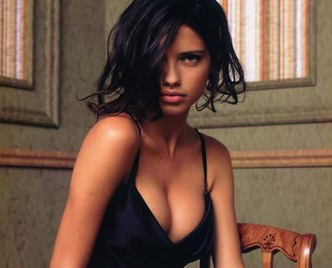 Adriana Lima, mamma super sexy