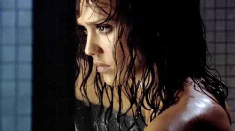 Video di Jessica Alba e Lindsay Lohan senza veli dal film Machete