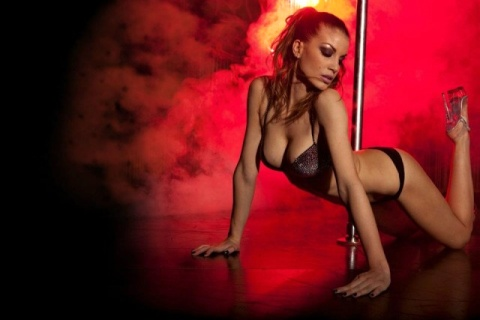 Francesca Fioretti sexy pole dancer nel film Poker Generation