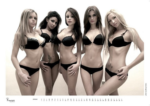 Mese di gennaio, calendario cheeky dolls excite bynight